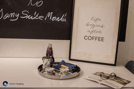 Senza emozioni la vita è solo un orologio che fa TIC TAC ...: Cucina in stile in stile Eclettico di Angela Paniccia Home Staging& Redesigner  - Consulente d'immagine immobiliare