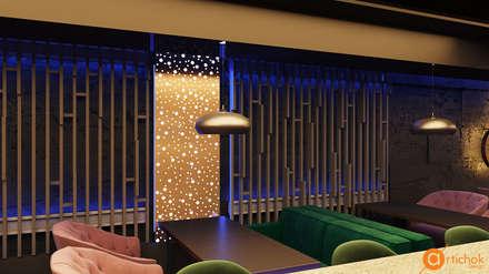 Блестящие латунные элементы декора контрастируют с грубыми стенами: Ресторации в . Автор – Art-i-Chok