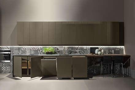 ALTEA Kitchen by Maistri: minimalistic Kitchen by ALP Home
