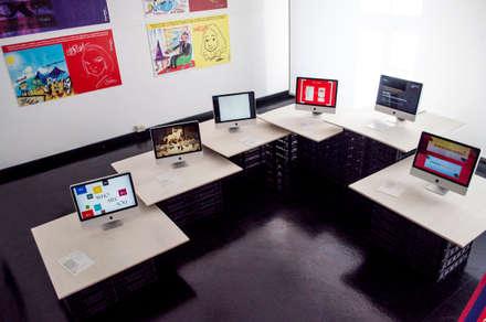 โรงเรียน by Mauro Del Santo