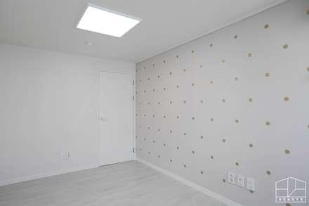 효율적인 공간 활용, 고잔동 호수공원대림 아파트 39py _ 이사 전: 홍예디자인의  아이방