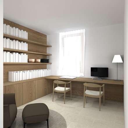 Una villa minimal ed elegante a Udine : Studio in stile in stile Minimalista di interiorbe SRL