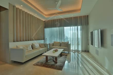 ON CLOUD 39!! @ lower parel, Mumbai): classic Dining room by SPACCE INTERIORS