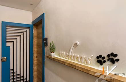 ประตู by +V Architects