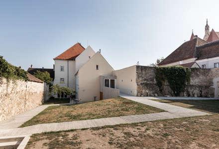 Pfarrhof Eggenburg: klassische Häuser von grmw