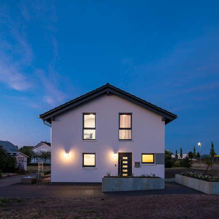 UNO 2.0 - Vielseitiges Familienhaus:  Fertighaus von FingerHaus GmbH