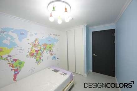 동작구 본동 한신휴플러스 아파트 인테리어 : DESIGNCOLORS의  방