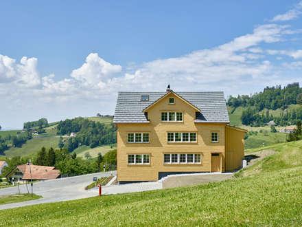Haus Steinmann & Zarpellon: klassische Häuser von firm ZT GmbH