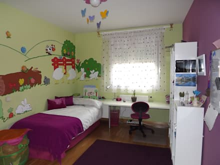 habitación infantil de niña con paredes verdes: Habitaciones de niñas de estilo  de Almudena Madrid Interiorismo