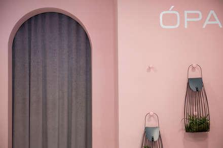 Ópalo zapatería: Oficinas y Tiendas de estilo  de ALAPAR ESTUDIO