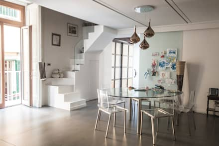 CASA M+V: Sala da pranzo in stile in stile Industriale di formatoa3 Studio