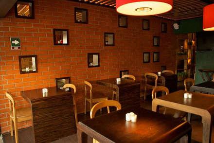 Restaurantes de estilo  por DISEÑO DE BARES Y RESTAURANTES B&Ö  Arquitectura, decoración, diseño de interiores y Muebles