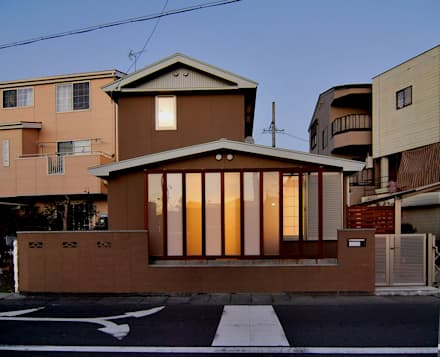 Casas de madera de estilo  por 原 空間工作所 HARA Urban Space Factory