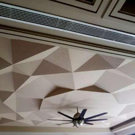 Duplex, Vasant Vihar: classic Media room by Chaukor Studio