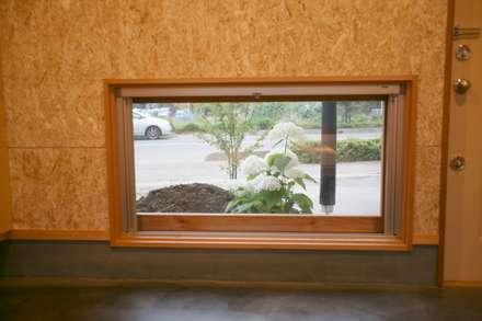 Wooden windows by 株式会社高野設計工房