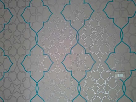 wall paper, bedroom: Pareti in stile  di zinesi design