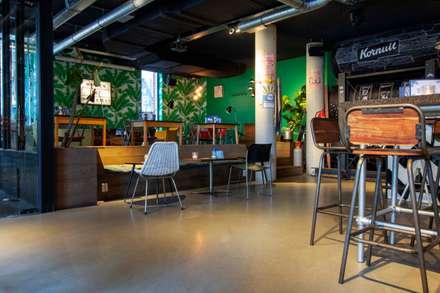 Bares e clubes  por Motion Gietvloeren