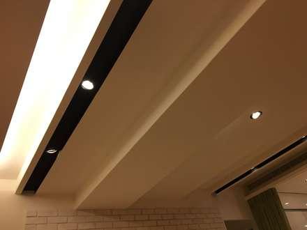 裝潢免百萬 利用現有格局及顏色的搭配 打造完美的家:  走廊 & 玄關 by 捷士空間設計