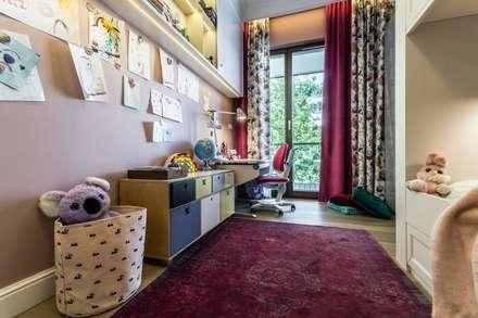 Girls Bedroom by Viva Design - projektowanie wnętrz