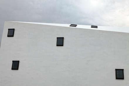 Деревянные окна в . Автор – 前田篤伸建築都市設計事務所
