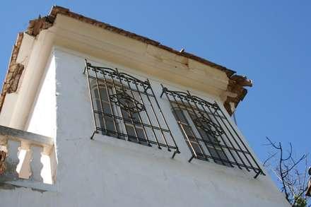 Antes: Villas de estilo  de 2J Arquitectura