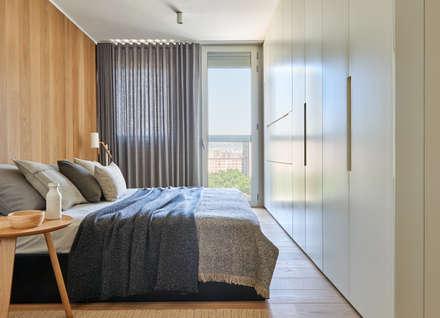 Vivienda en Diagonal Mar: Dormitorios de estilo escandinavo de YLAB Arquitectos