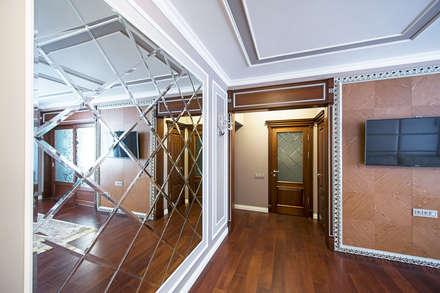 Реализованный дизайн-проект квартиры на Университете: Коридор и прихожая в . Автор – Style Home