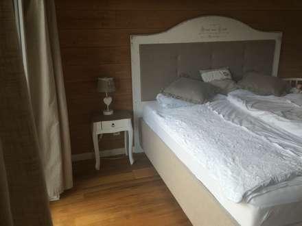 Bett von Stilholz Pioch: rustikale Schlafzimmer von Stilholz Pioch