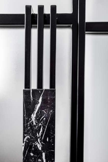 Inside doors by Loft Kolasiński