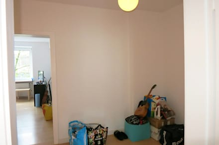 Möbliertes Appartement - Eingangsbereich VORHER:  Flur & Diele von Tschangizian Home Staging & Redesign