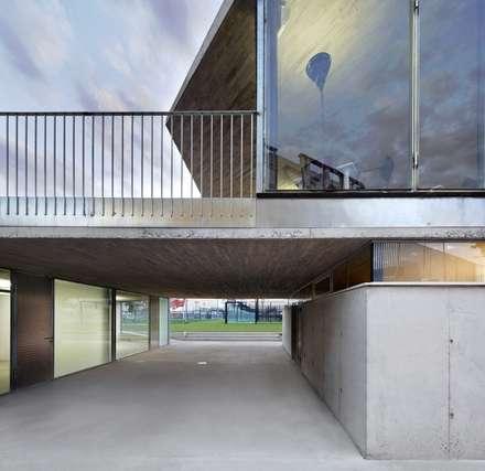 體育館 by Viceversa Arquitectura & Diseño