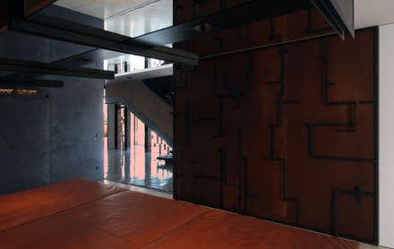Garderobe:  Flur & Diele von Architekt Zoran Bodrozic