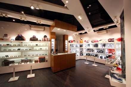 Trendy Shop: Oficinas y Tiendas de estilo  de Viceversa Arquitectura & Diseño