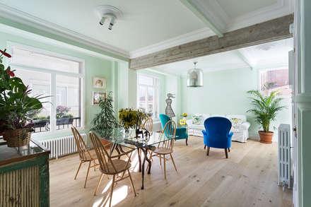 Diseño y decoración de la casa verde en A Coruña: Comedores de estilo industrial de Imaisdé Design Studio