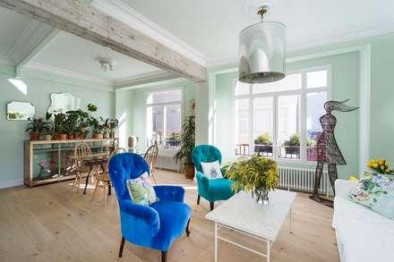 Diseño y decoración de la casa verde en A Coruña: Salones de estilo industrial de Imaisdé Design Studio