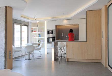 : Módulos de cocina de estilo  de Loft26