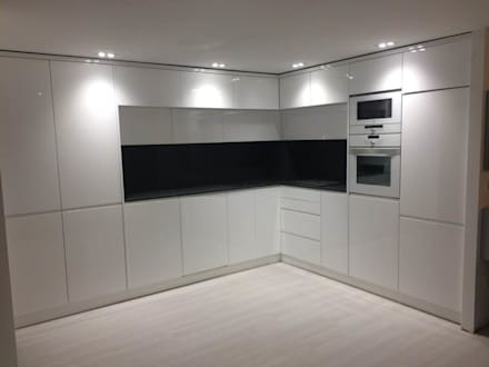 Built-in kitchens by Portochic