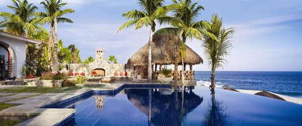 Hotel in stile  di JSF de México Landscaping