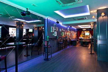 Pista de baile: Bares y Clubs de estilo  de Muka Design Lab