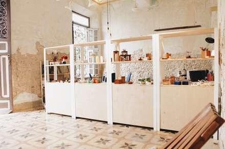 Văn phòng & cửa hàng by Escaleno Taller de Diseño