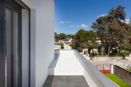 Acompanhamento Fotográfico  - Construção Moradia em Sistema Construção LSF ( 3ª e última fase): Telhados  por Pedro Brás - Fotografia de Interiores e Arquitectura | Hotelaria | Imobiliárias | Comercial