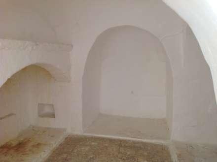 """Trullo """"LA PERLA"""": Camera da letto in stile in stile Mediterraneo di Architetto Floriana Errico"""