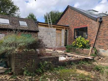 Ide Hill Extension/Loft/Full Refurbishment:  Bungalow by Studio HE (S /HE)