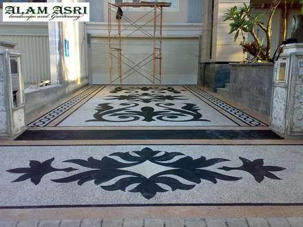 Floors by Jasa Tukang Taman Surabaya dan Kolam Koi Surabaya