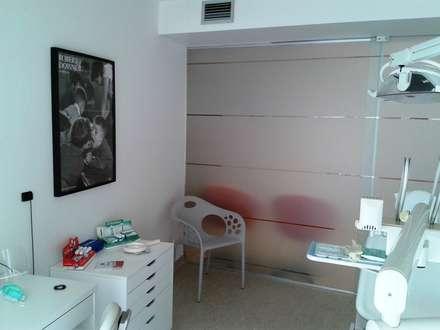 Clínica Médica e Dentária - Alcochete: Clínicas  por JMarq. arquitetura & design
