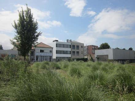 Bloco de Tenente Valadim: Habitações multifamiliares  por A2OFFICE
