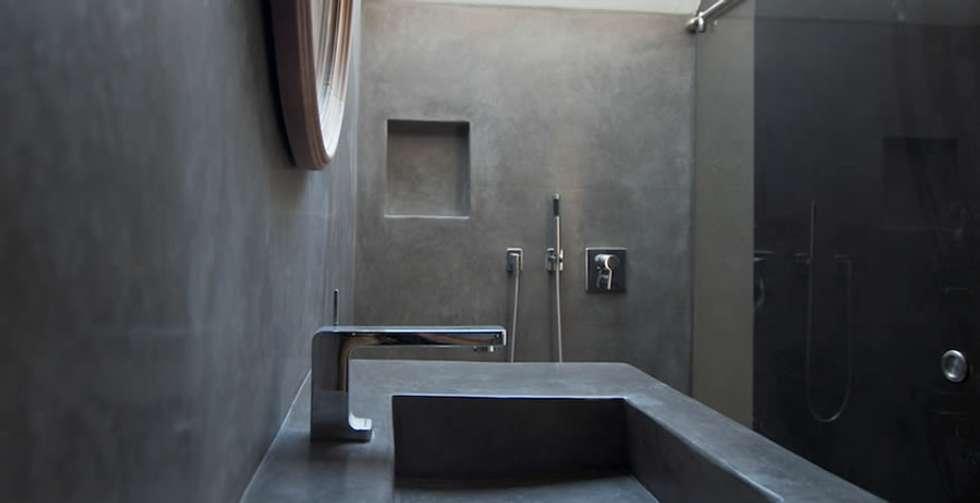 badezimmer feuchtr ume in betonoptik industriale badezimmer von fugenlose mineralische b den. Black Bedroom Furniture Sets. Home Design Ideas