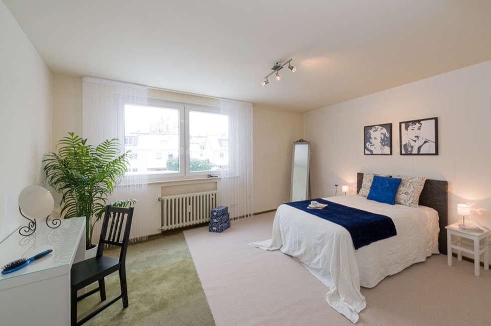 Eigentumswohnung Duisburg: moderne Schlafzimmer von raumessenz homestaging