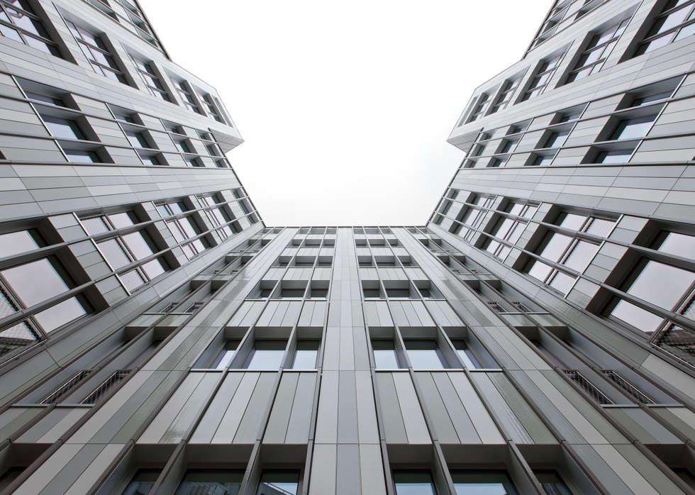 La façade: Bureaux de style  par BOUCHAUD ARCHITECTES