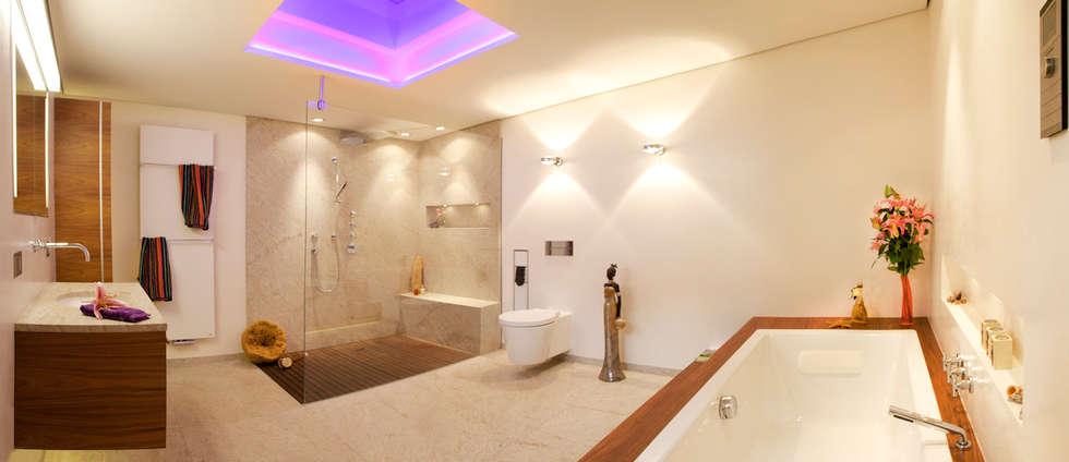 Lifestyle durch Natur nach Maß: moderne Badezimmer von Design by Torsten Müller